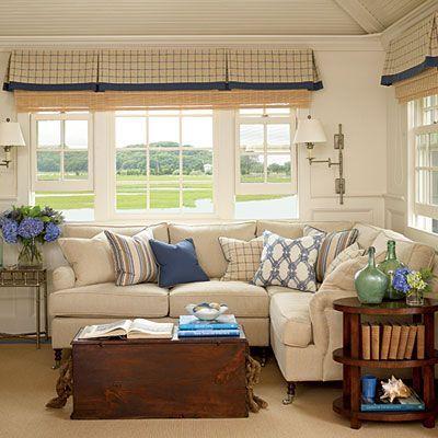 Salones sala con sofas con chaselong ideales para for Salas para espacios pequenos
