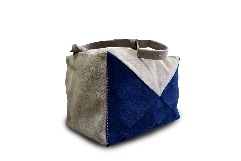 858b2bc50577 Спортивная женская сумка из натуральной замши. #travel #travelbag  #weekendbag #style #