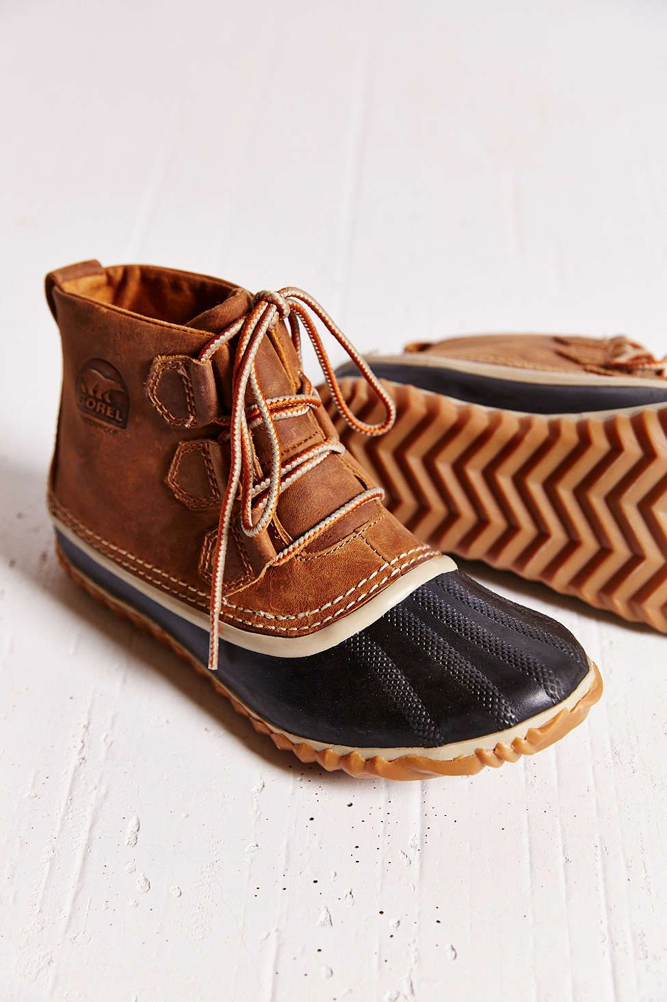 how to clean sorel boots