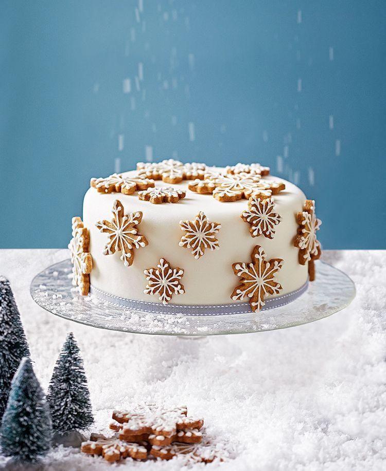 kuchen weihnachten dekorieren weiss fondant zimtkekse - küche dekorieren ideen