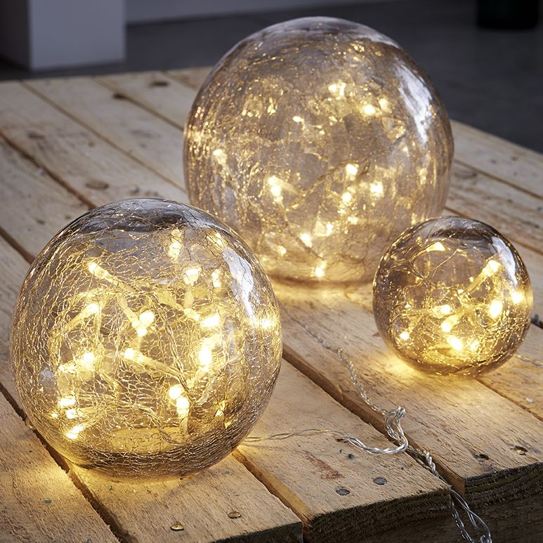 Boules lumineuses   idée déco noel http://.zodio.fr/idees deco