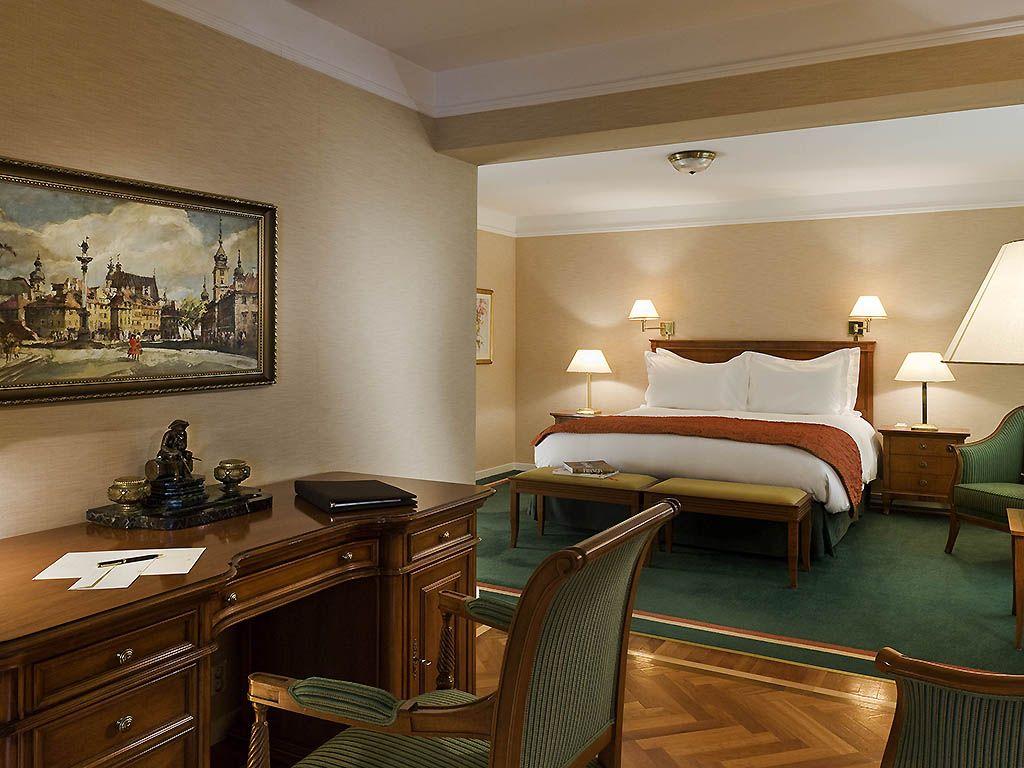 Lit king size dans la suite Présidentielle de l\'hôtel Sofitel ...