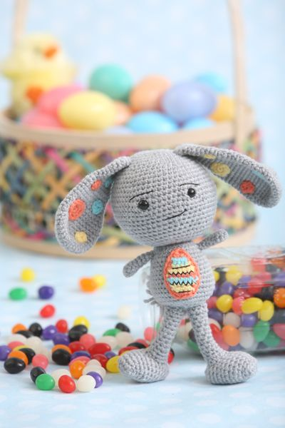 Make Your Own Easter Bunny Friend With This Simple Amigurumi Crochet