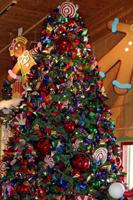 Bronner's Christmas Wonderland in Frankenmuth, Michigan - Bronner's Christmas Wonderland In Frankenmuth, Michigan