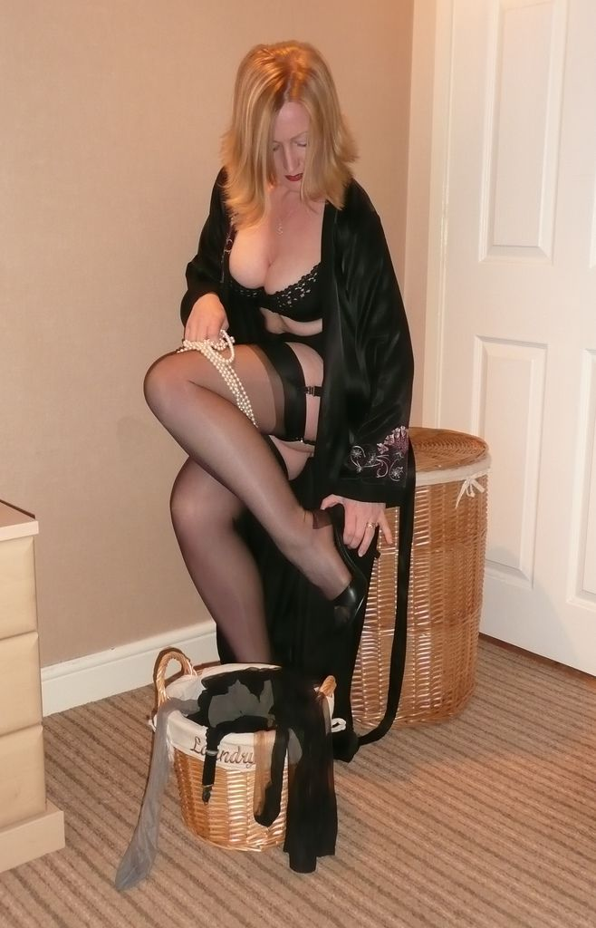 sexy cougar stockings