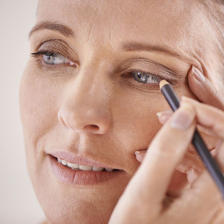 7 Essential Eye-Makeup Tips For Women Over 40 | Makeup, Eye and ...
