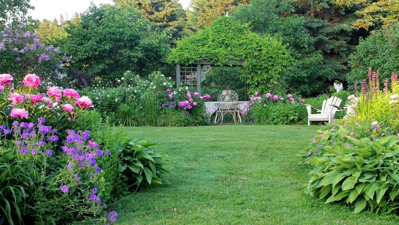 Aiken House \u0026 Gardens: In an English Country Garden | G ...