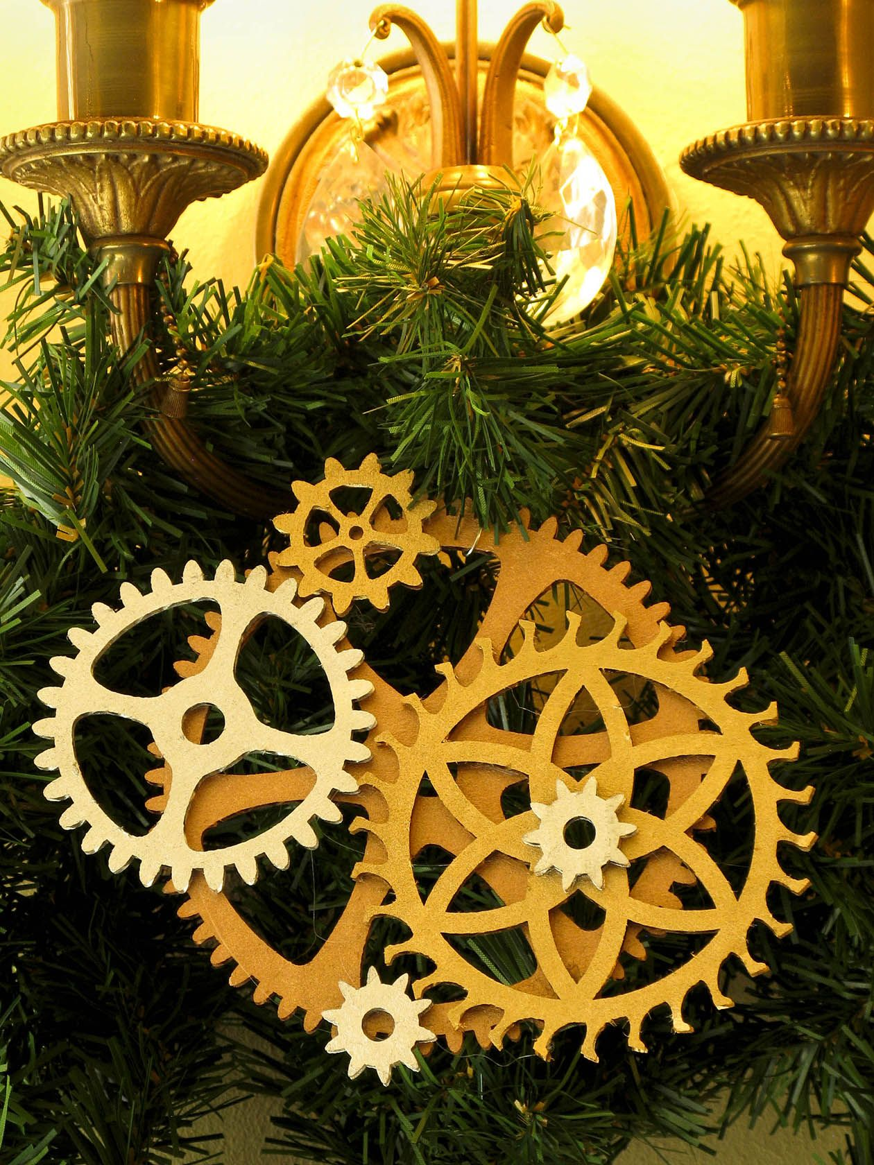 Ainsley House decorations | Steampunk Christmas Tree | Pinterest ...