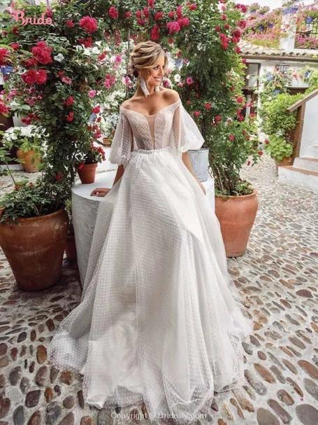 Romantic Off-the-Shoulder Lace A-Line Wedding Dres