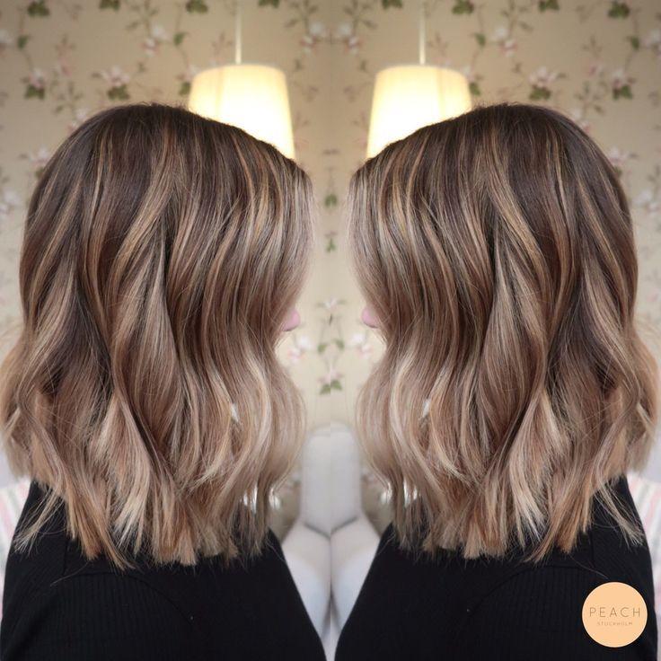 Beige blond hårfärg med lob klippning,  #balayagehairbeige #beige #blond #hårfärg #klippning …