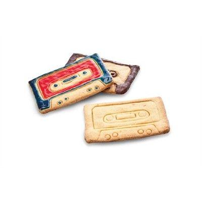 Moule à biscuit Cassette Audio. http://shop.lillibulle.com/2856-moule-a-biscuit-cassette-audio-donkey-.html