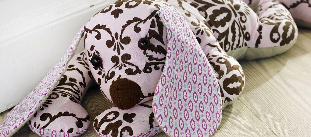 stoffhund n hen leicht gemacht anleitung f r den s en wuffi. Black Bedroom Furniture Sets. Home Design Ideas