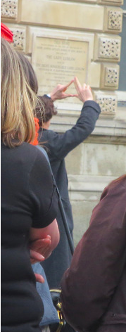 benedict cumberbatch, setlock 2013. this should be the sherlock hand sign. ALL IN FAVOUR SAY AYE