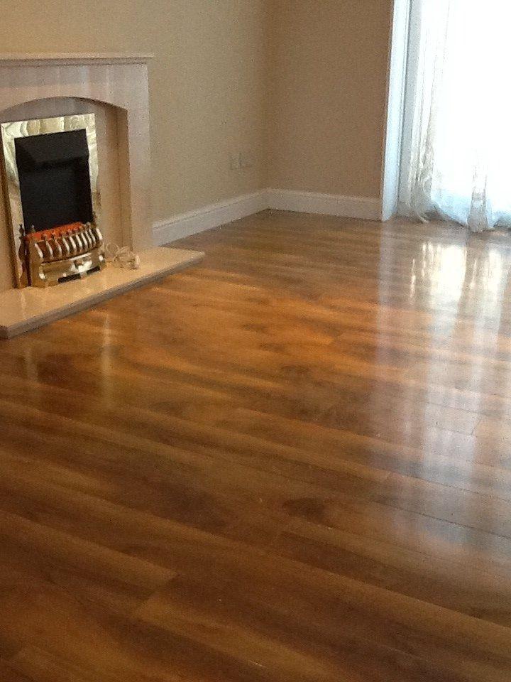 High Gloss Walnut Effect Laminate Floor Ppmsltd Co Uk