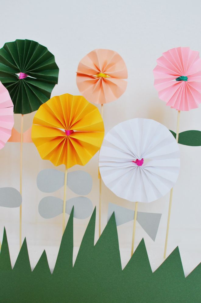 Blumen Basteln. Diy Wunderschöne Blüten Aus Krepp-Papier Einfach