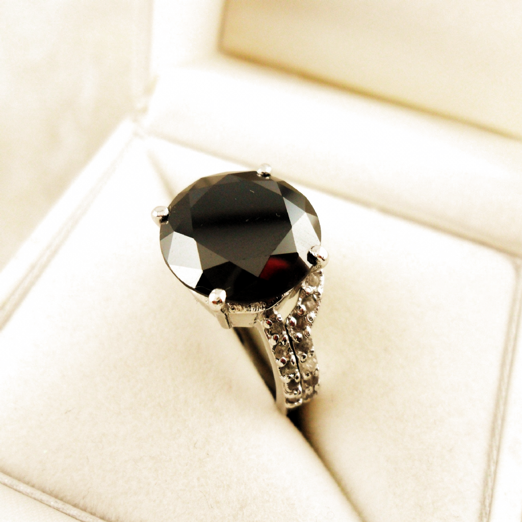 "Handgefertigter 2-teiliger Ring Moissanit ""Black Diamond"" & Rohdiamant Moiss…"