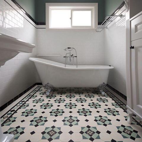 Clean Green Victorian Bath In London Uk With Winckelmans Tiles In Glasgow Pattern Victorian Bathroom Edwardian Bathroom Victorian Tiles Bathroom