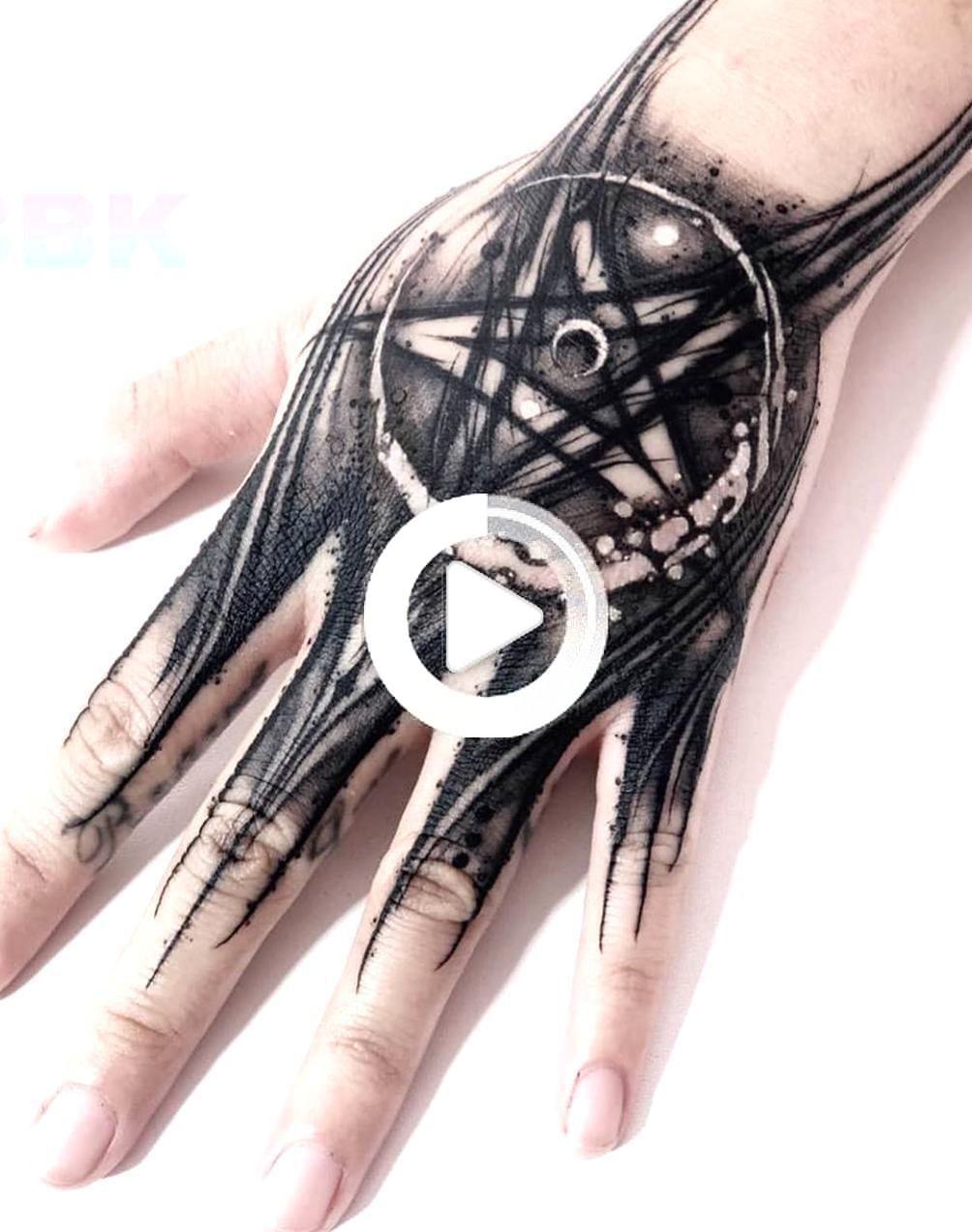 12++ Tatouage sur main homme trends