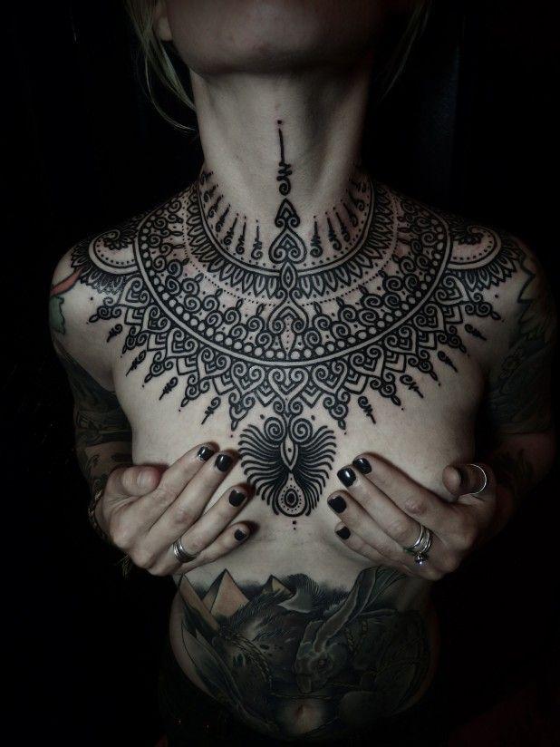 15 Inspirational Chest Tattoos Tatuajes de henna Pinterest