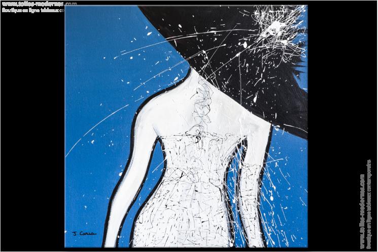 Ce très grand tableau XXL à dominante bleu s'intitule Cérémonie. C'est un nu artistique contemporain unique. Dans une chambre, cette toile va créer une ambiance douce et apaisante dans la pièce. C'est une réalisation qui peut s'intégrer dans tous les styles d'intérieur, design, moderne ou classique.
