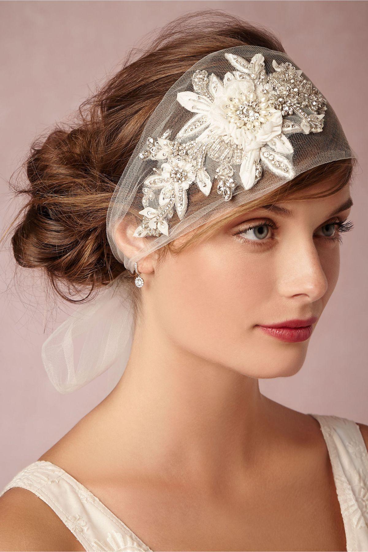 Fantastic semi juliet wedding veil headband with