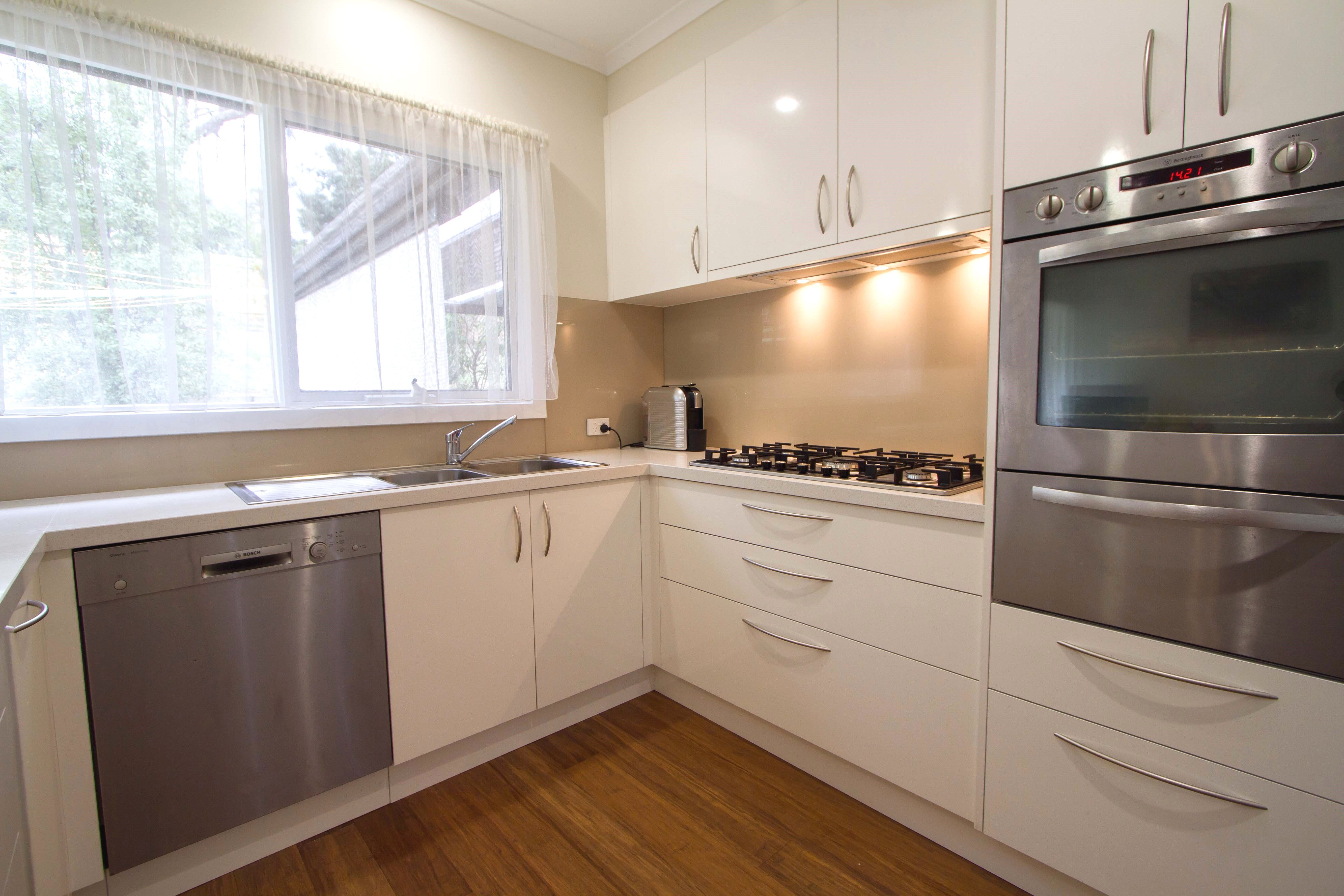 this kitchen is simple yet elegant light and bright www thekitchendesigncentre com au on kitchen organization elegant id=38681