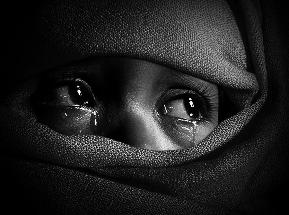Crying is how your body speaks when your mouth can 39 t - Sad girl pictures crying ...