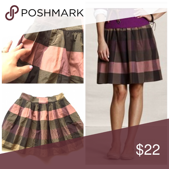 """Lands End Canvas plaid pleated taffeta skirt Item: NWOT Lands End Canvas Gathered Plaid Taffeta skirt in pink. So beautiful and has pockets. 🔸 Size: 4 🔸 Measurements: waist 15""""across length 19"""" Lands' End Skirts Mini"""