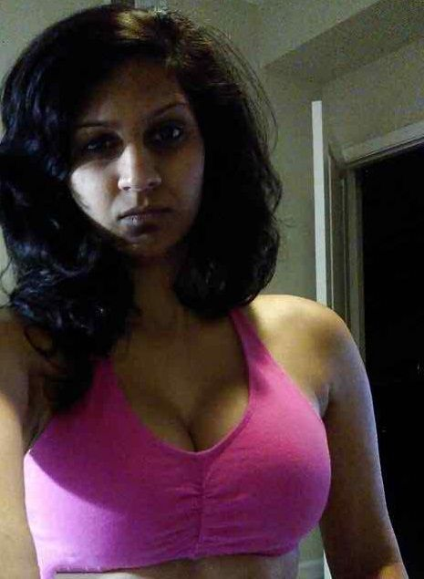 Hot Indian Women Round Boobs Big Black Nipples Selfie