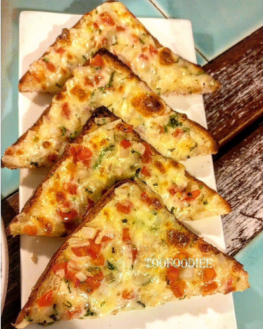 Chilli garlic toast on board!!! #rosecafedelhi