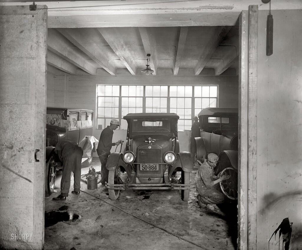Fotografía Auto body repair shops, Auto body shop, Old