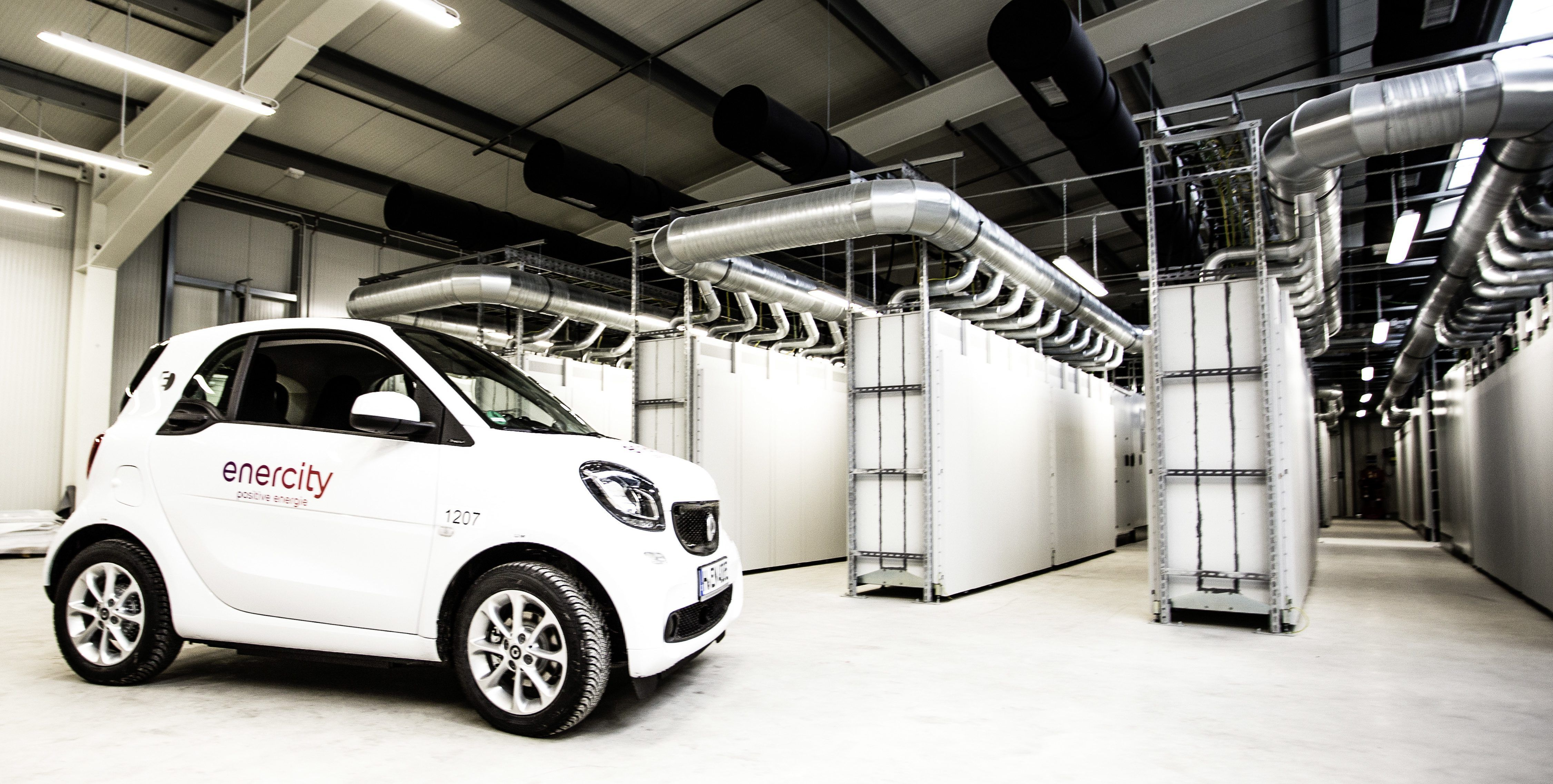 Active Safety Features Are Becoming Increasingly Popular As Automakers Are Trying To Leverage Their Development Of A Electric Smart Car Smart Car Mercedes Benz