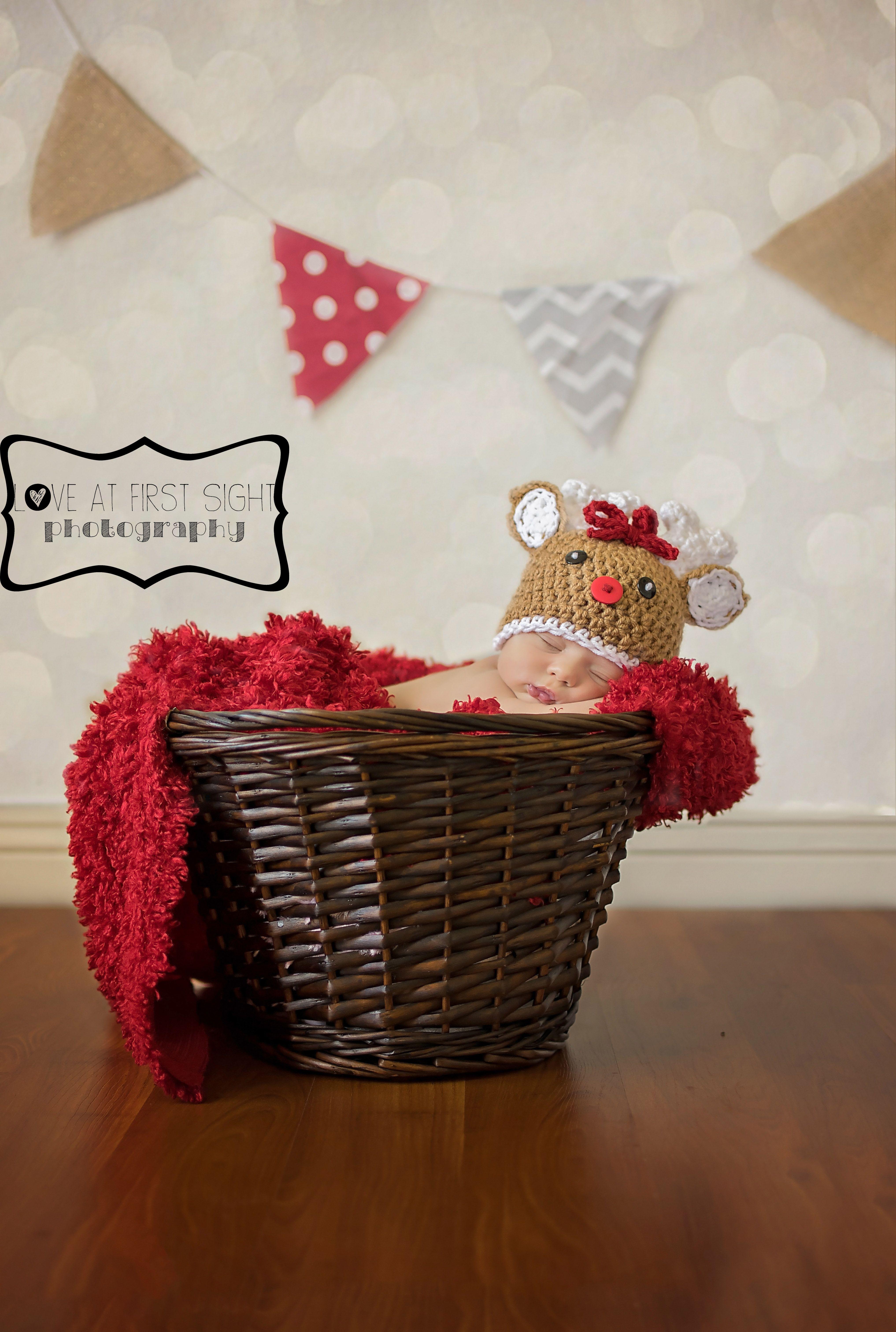 Christmas newborn photography #reindeer #crochet