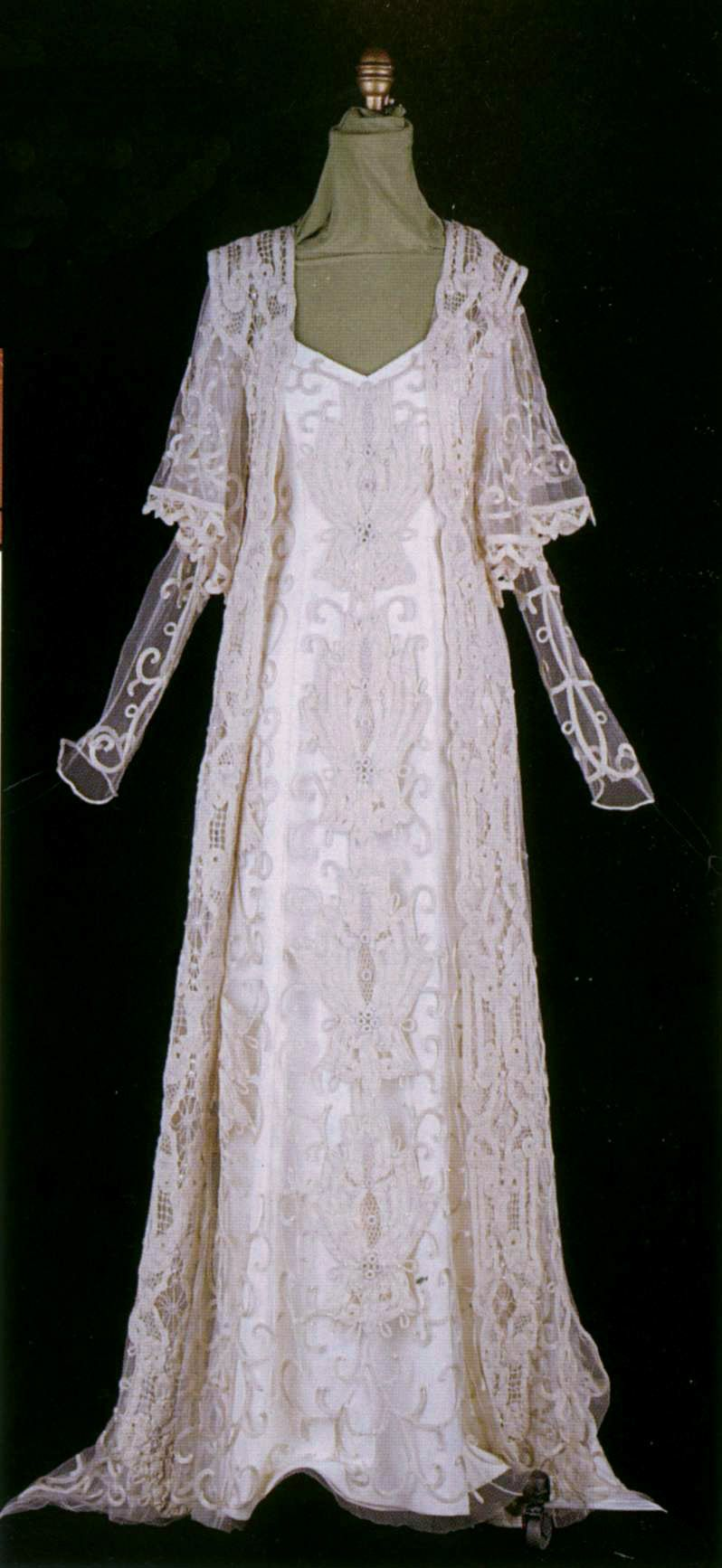 This is actually Padme\'s wedding gown from star wars, but it is a ...