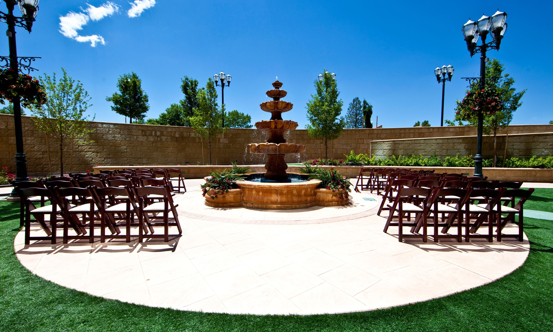 Peppermill Resortu0027s Tuscany Garden Wedding Setup.