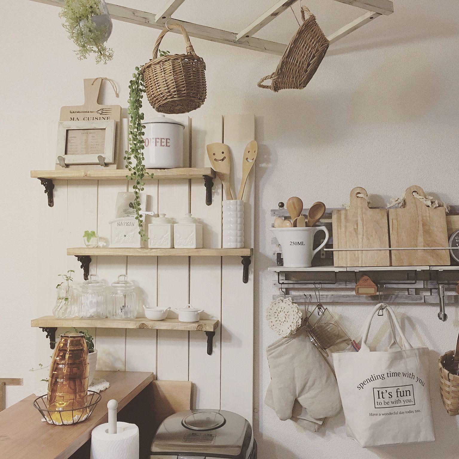 棚 キッチン収納 壁面収納 賃貸 ナチュラル などのインテリア実例