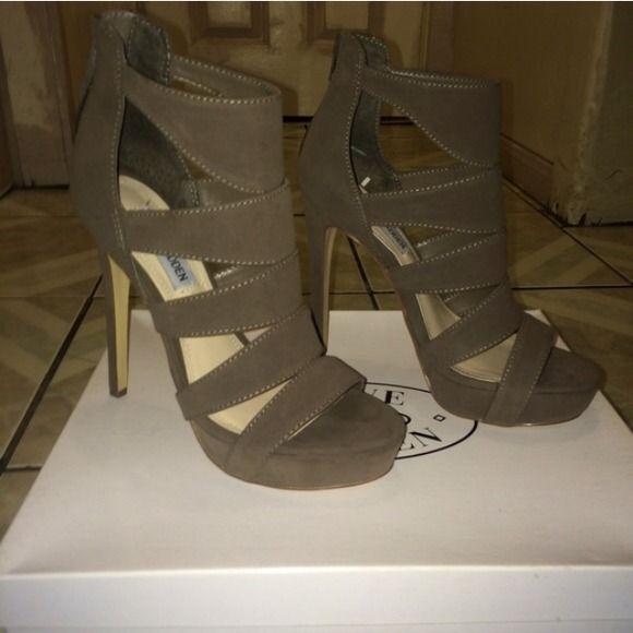 NWOT Steve Madden Taupe Heels New. Suede material. Taupe color. Steve Madden Shoes Heels