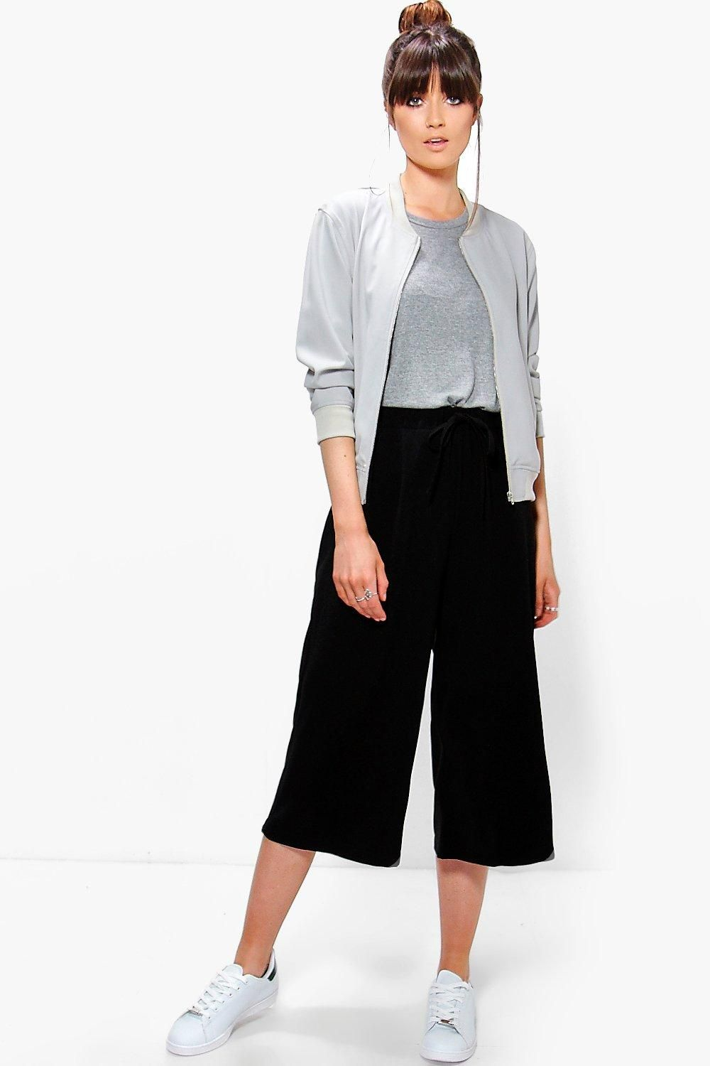 Photo of Culotte in crepe intrecciate in vita | Boohoo