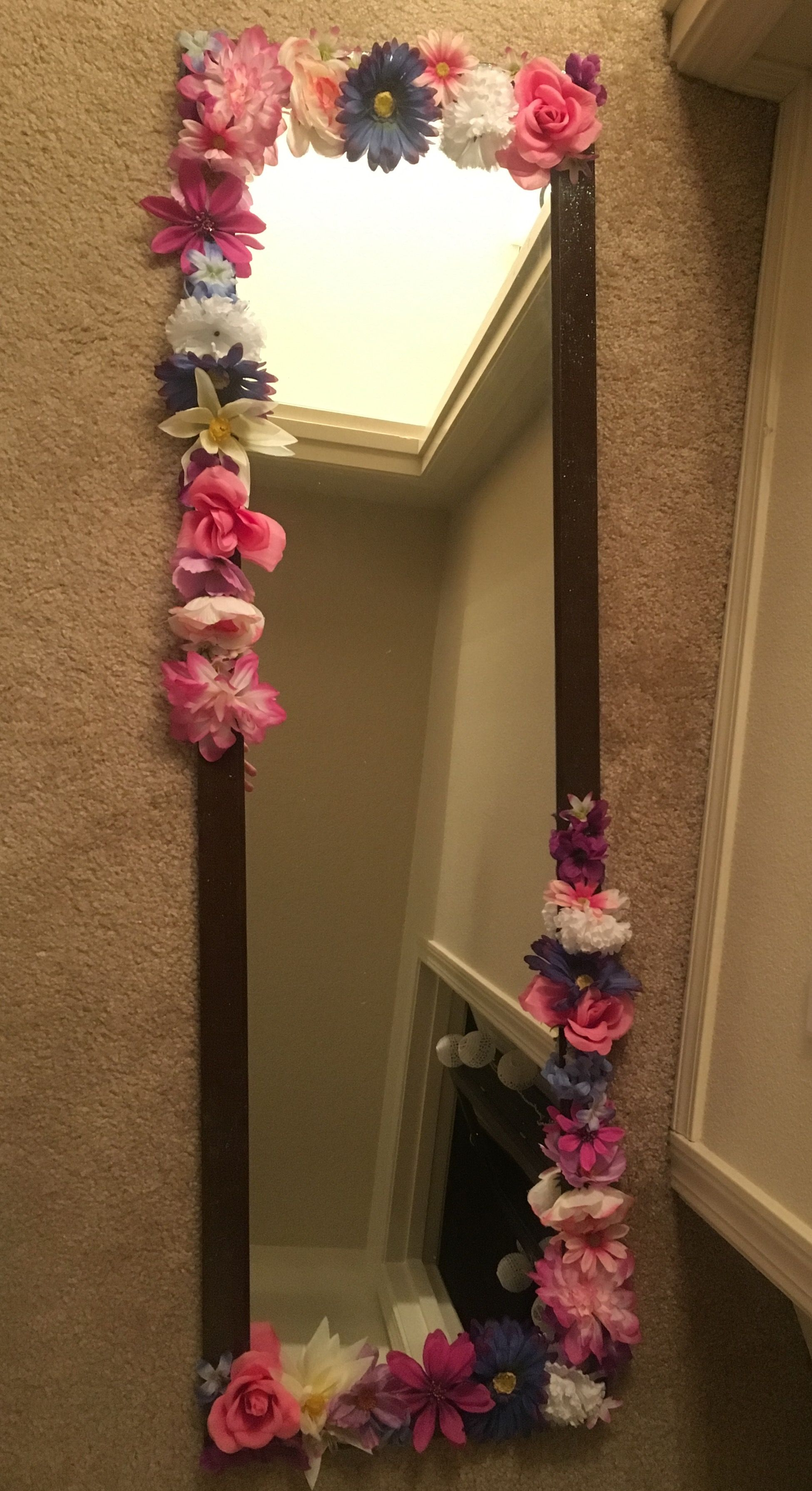 DIY Flower Mirror - super easy, just takes a little time and patience! I also painted the mirror frame earlier in a sparkle gloss glaze, because if I could have glitter on everything I would.