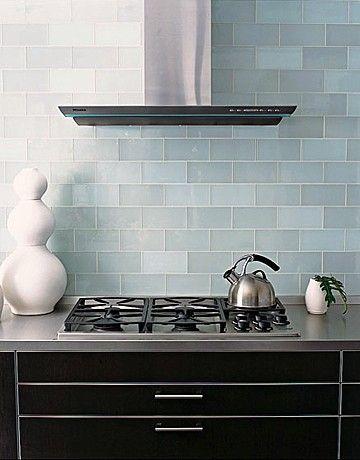 Stoves That Sizzle Glass Backsplash Kitchen Kitchen Tiles