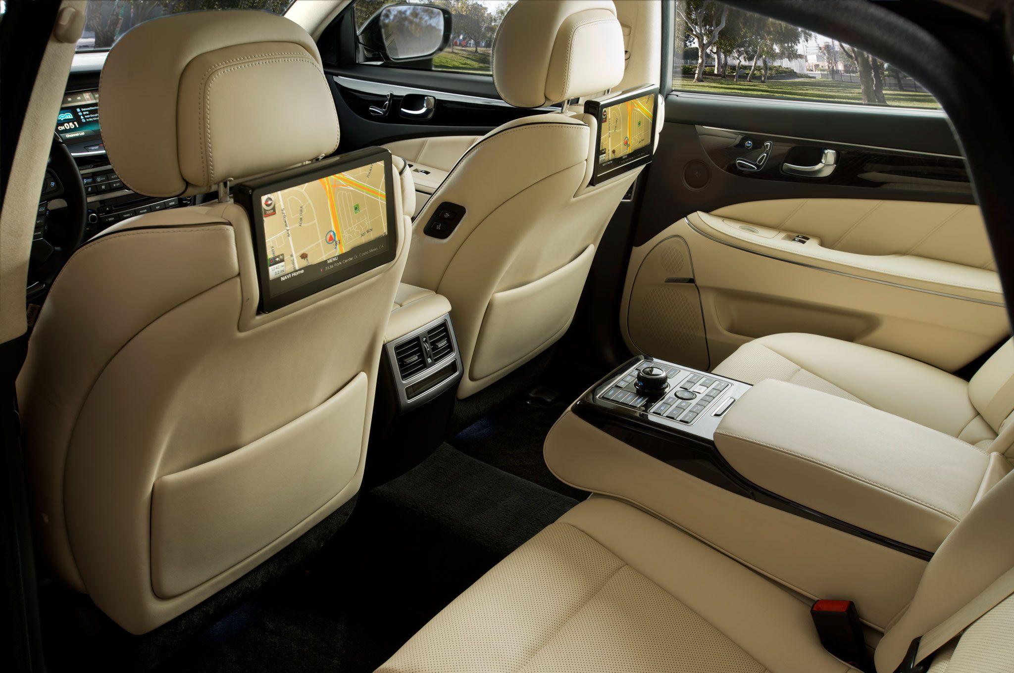 2014 Hyundai Equus Priced At 61 920 1750 Over 2013 Model Hyundai Hyundai Cars High End Cars