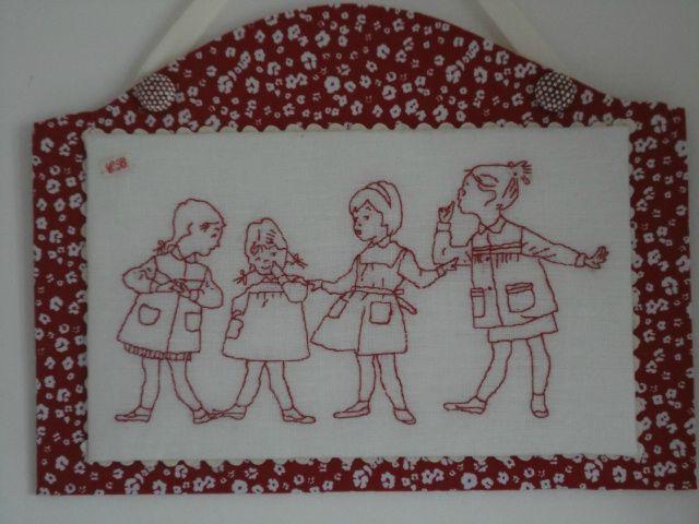les fillettes rouge cannelle point arri re arriere et le point. Black Bedroom Furniture Sets. Home Design Ideas