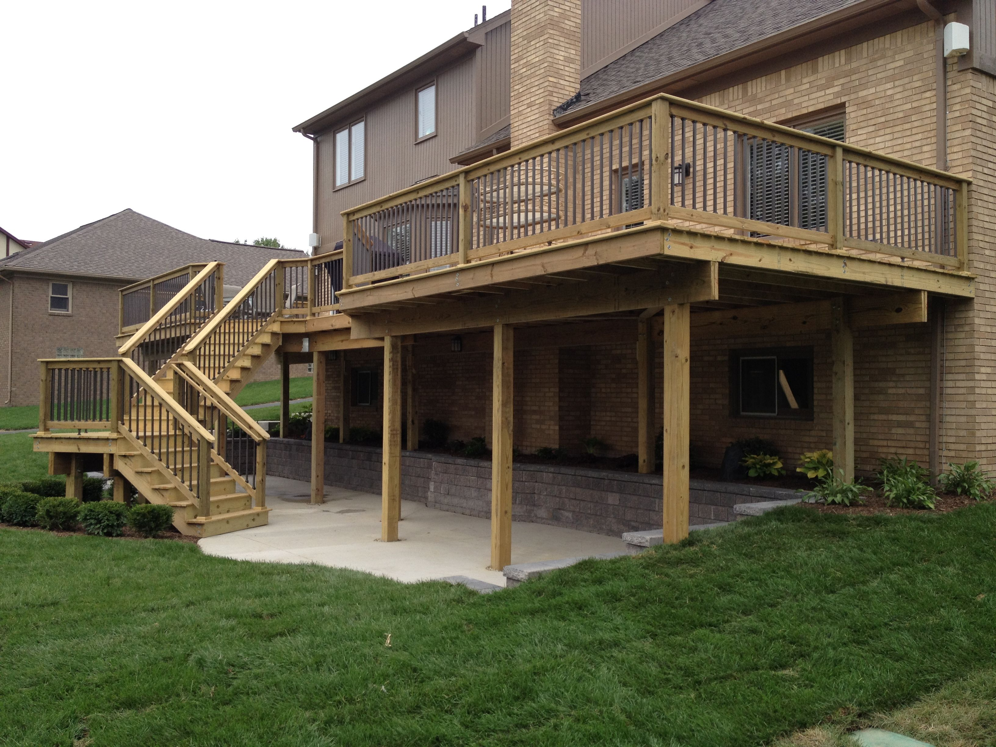 Best Pressure Treated Deck In Rochester Hills Mi With Images 400 x 300