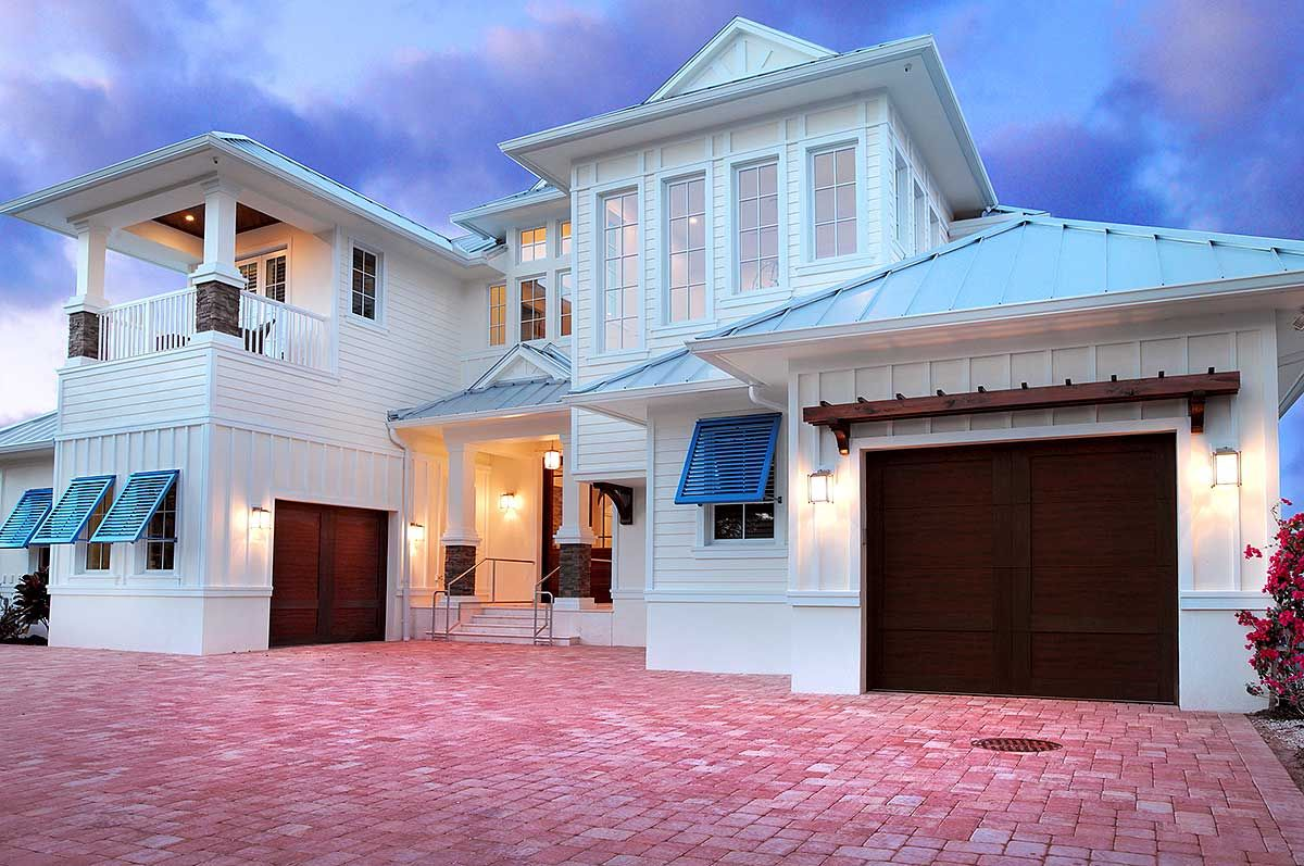 Plan 31824dn Stunning And Spacious Beach House Plan Florida House Plans Beach House Design Mediterranean Style House Plans
