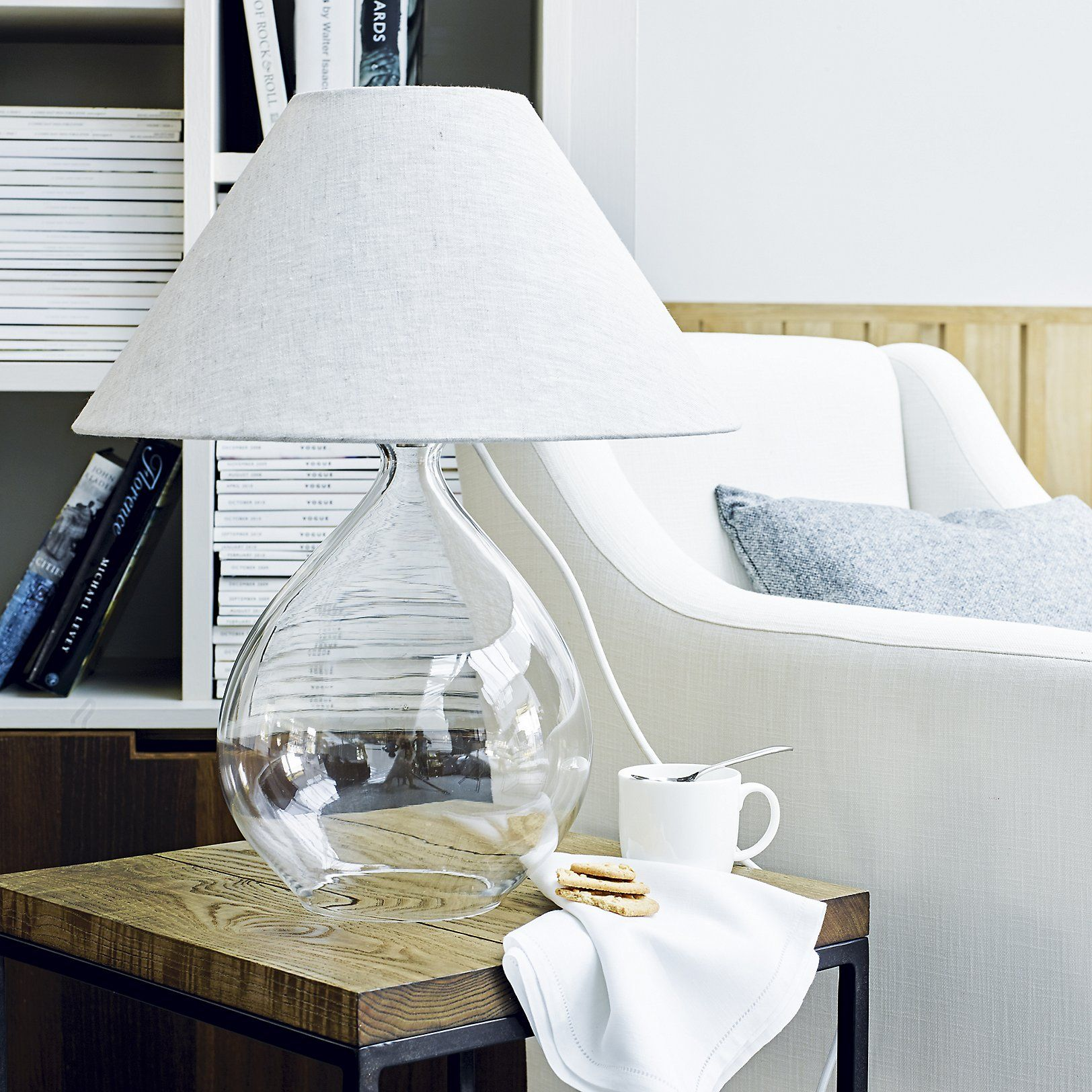 Ensure That Your Home Has A Truly Warming Atmosphere All Year Round Browse The White Company S Latest Collection Of Elegantly Styled Table Lamps Today