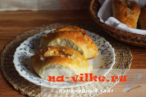 Пиріжки з горохом і часниковою заправкою в духовці