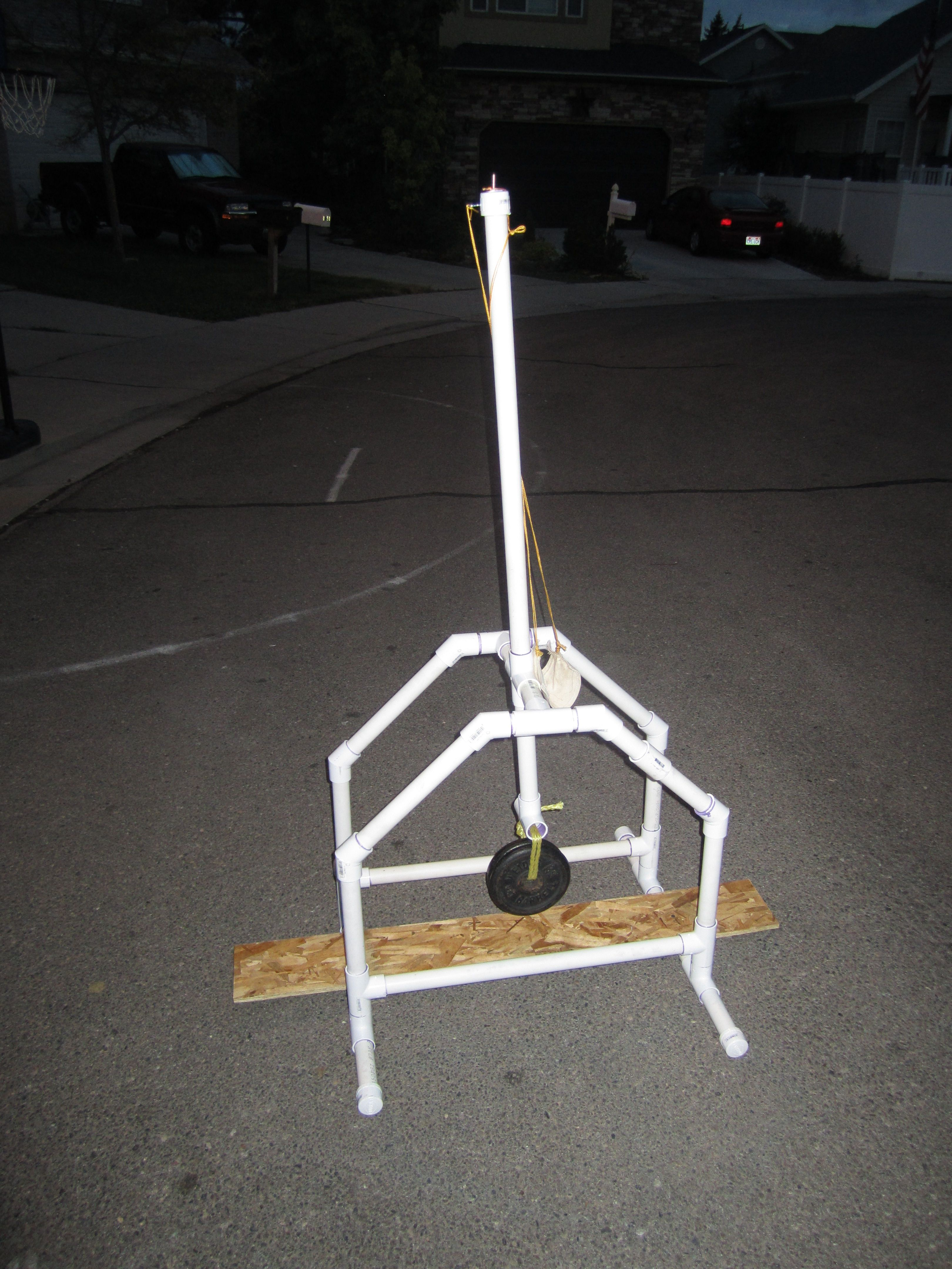 hight resolution of pvc trebuchet i built this trebuchet as a summer project the trebuchet arm length ratio is 3 1 the counterweight is 100 1