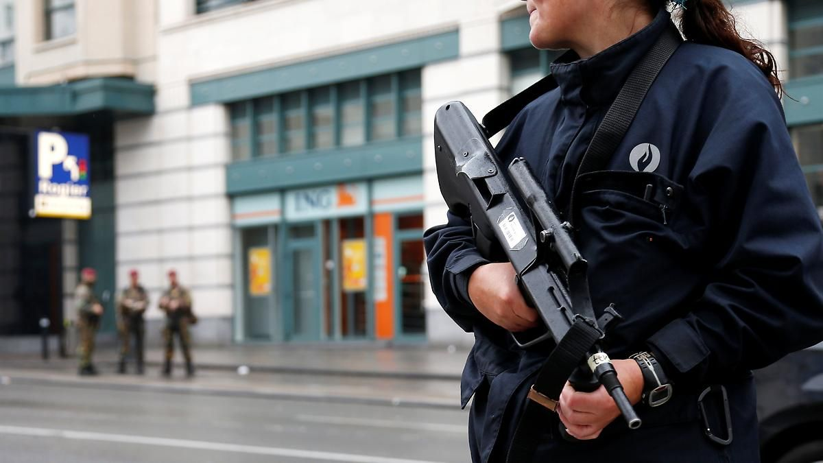 Gebäck in Sprengstoff-Attrappe: Verwirrter hält Belgien mit Keksen in Atem