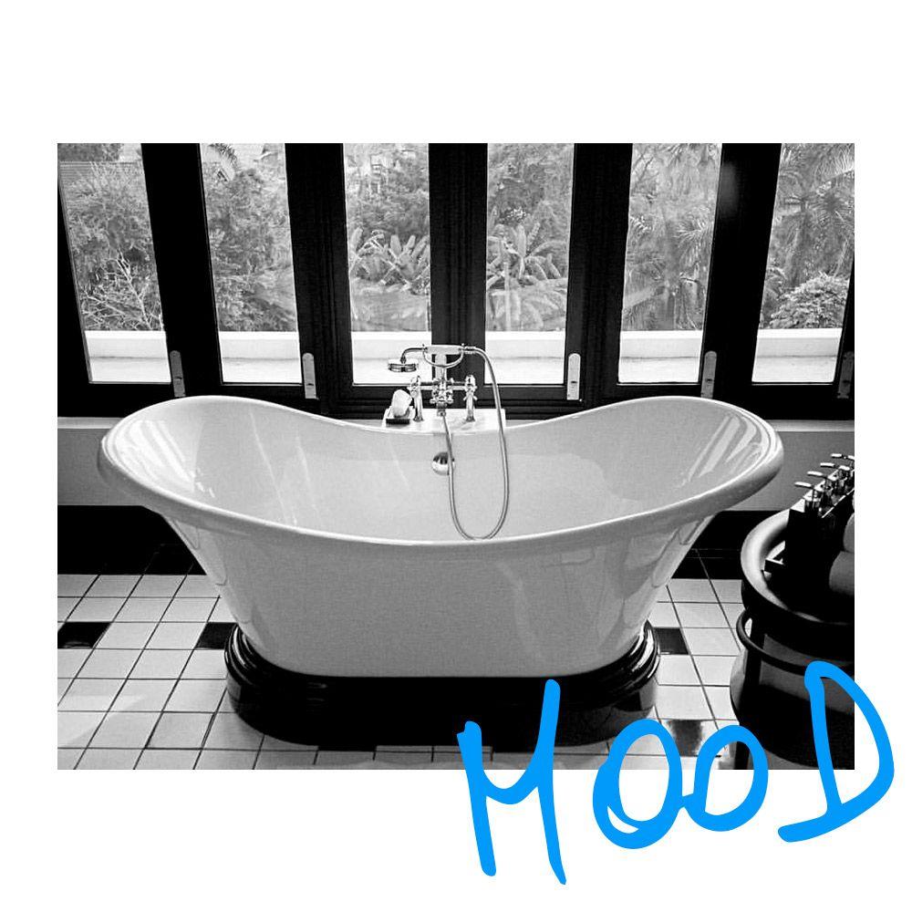 DIMANCHE 💦 Profitez du dimanche pour ne rien faire ... la meilleure chose à faire 😉 Prenez le temps pour vous et très belle fin de journée à tous! 🖤💙 📸 @marieclairetw - #mood #dimanche #déconnexion #ralaxation #nerienfaire #détente #🛀 #classy #relax #goodvibes #bain #pause #bestday #cool #sunday #marieclairefr
