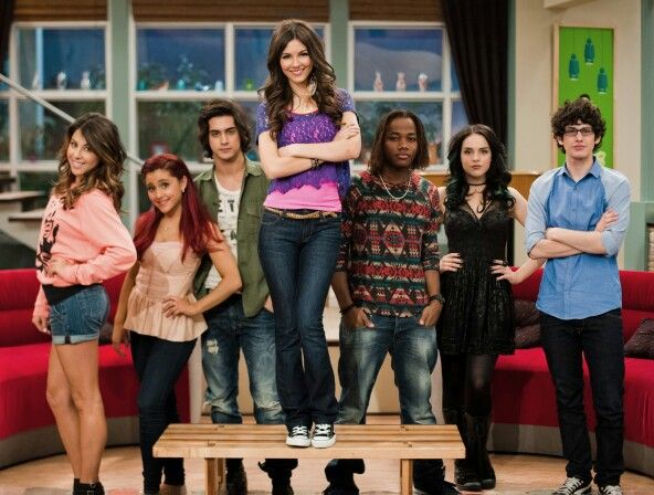 Trina Vega Cat Valentine Beck Oliver Andre Harris Jade West Robbie Shapiro Victorious Cast Victorious Tv Show Victorious Nickelodeon
